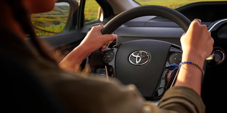 En julio y agosto, los Centros de Servicio Toyota tendrán una oferta especial para sus clientes. (horizontal-x3)