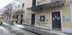Más dañina la corrupción que los grafitis
