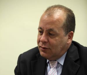 La demandante por acoso sexual en Guaynabo alega que el municipio encubrió a O'Neill hijo