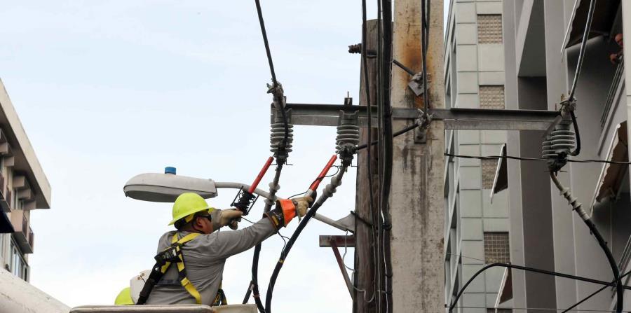 El gobernador no hizo estimados de cuándo se restablecerá el servicio hasta tanto no se tenga una evaluación concreta de daños. (horizontal-x3)