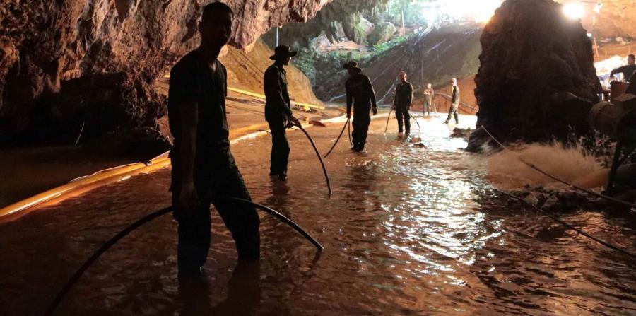Resultado de imagen para cueva de tailandia niños atrapados