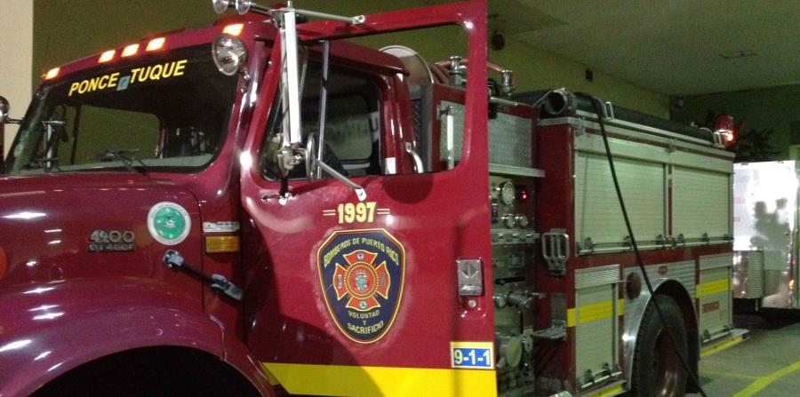 El incendio se reportó a las 4:46 p.m. y fue atendido por integrantes de la estación de Bomberos de Ponce, el Tuque y la División de Operaciones Especiales. (horizontal-x3)
