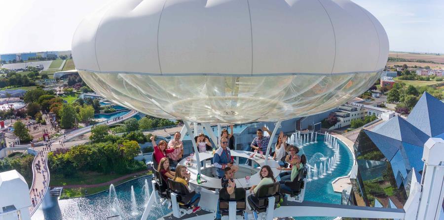 El Aerobar permite disfrutar de refrigerios y alimentos mientras se recorre el parque a gran altura. (Suministrada)