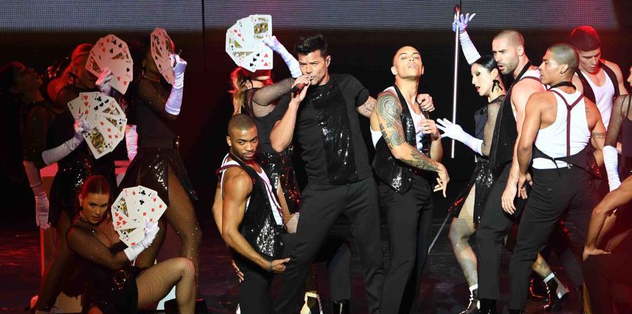 El espectáculo de 21 canciones en inglés y español. Ricky Martin se hace acompañar por una veintena de músicos y bailarines, entre los que se encuentra la boricua Tatiana Delgado. (horizontal-x3)