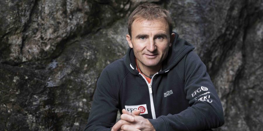 el escalador suizo Ueli Steck (horizontal-x3)
