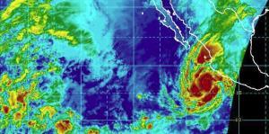 El huracán Willa podría llegar a categoría 4 antes de tocar tierra