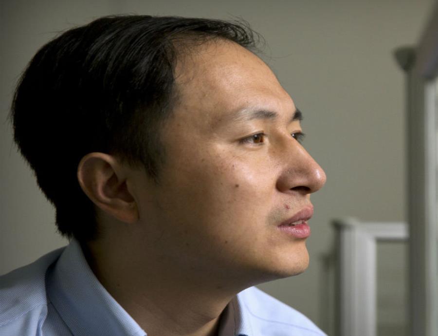 He Jiankui afirmó que había conseguido crear a los primeros bebés manipulados genéticamente para resistir al VIH. (semisquare-x3)