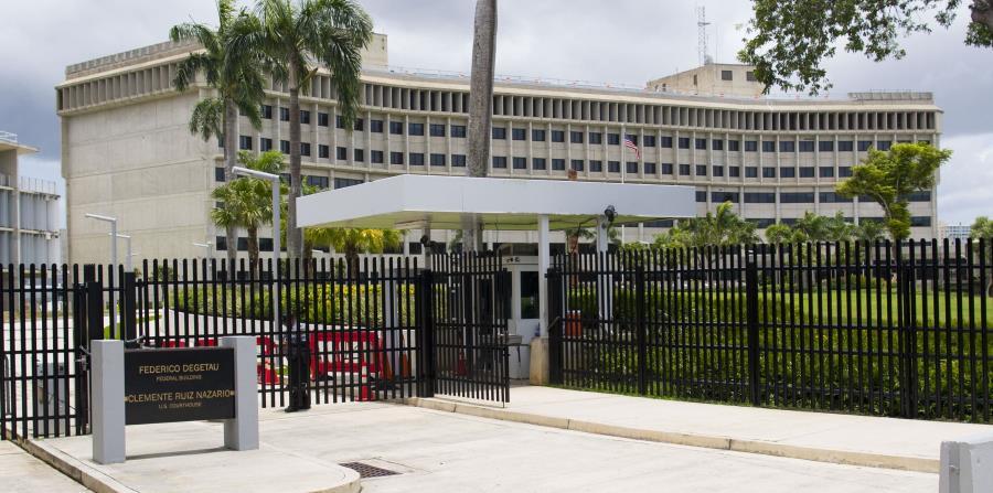 La audiencia se realiza en el Tribunal Federal en Hato Rey. (horizontal-x3)