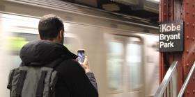 Realizan homenaje a Kobe Bryant en una parada del metro en Nueva York