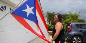 Inician campaña de apoyo a boricua que desplegó bandera de Puerto Rico en su casa