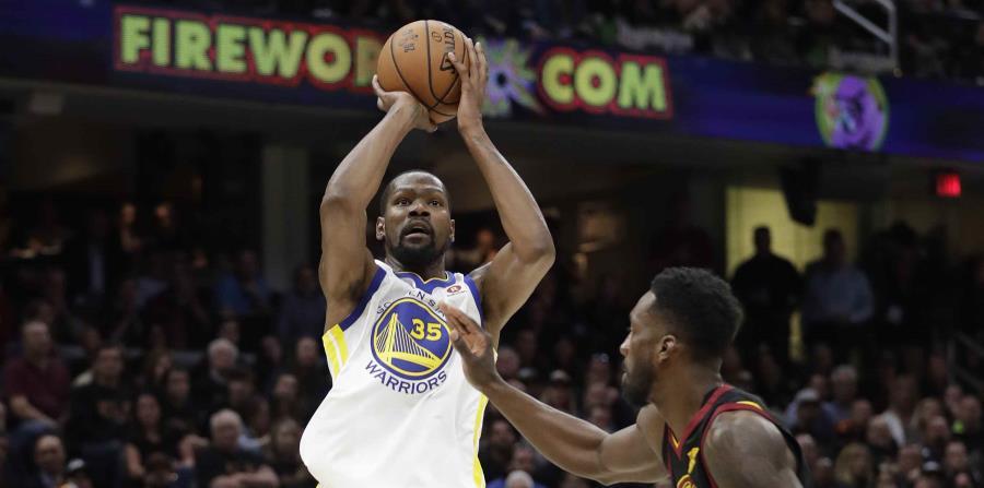 Kevin Durant reconoció que para el Cuarto Partido tendría que jugar aun mejor baloncesto si quieren conseguir la victoria. (horizontal-x3)