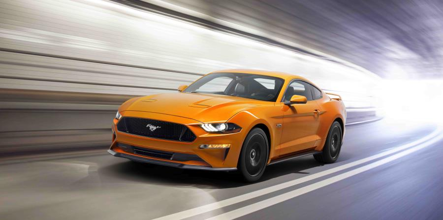 Ford Mustang GT (horizontal-x3)