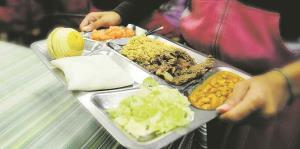 Gobierno federal flexibiliza las guías para los comedores escolares