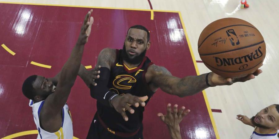 La mudanza de LeBron James a los Lakers podría crear otro equipo fuerte en la Conferencia del Oeste. (AP) (horizontal-x3)