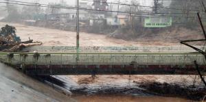 Varias vías de tránsito permanecen trancadas en Utuado