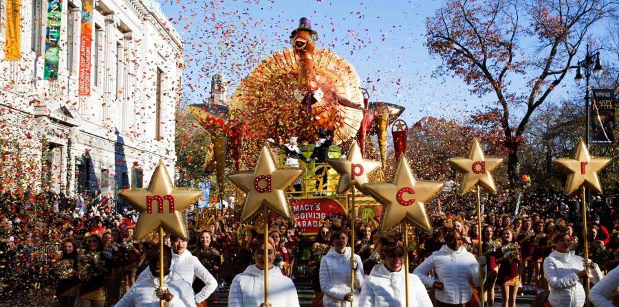 16 globos llenos de helio volaron en la tradicional Parada de Macy's. (AP) (horizontal-x3)