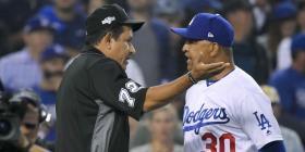 El dirigente Dave Roberts estará de vuelta con los Dodgers