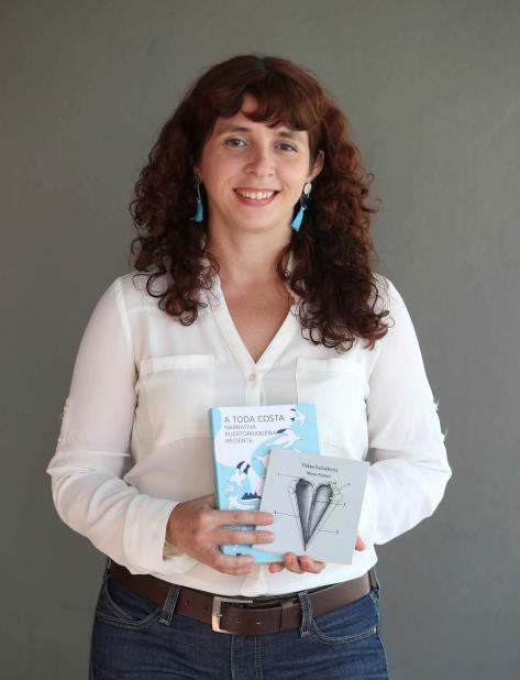Mara Pastor es profesora de literatura en la Pontificia Universidad Católica en Ponce. (vertical-x1)