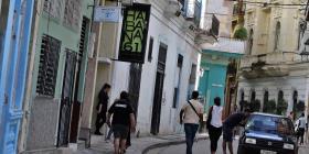 Los cubanos que residen en el exterior pueden invertir en Cuba
