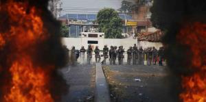 En fotos: momentos de tensión en la frontera entre Colombia y Venezuela