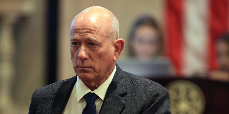 El senador Larry Seilhamer dijo que no se opone a evaluar la privatización en un solo proyecto, pero que no habría tiempo para hacerlo antes del 30 de junio. (horizontal-x3)