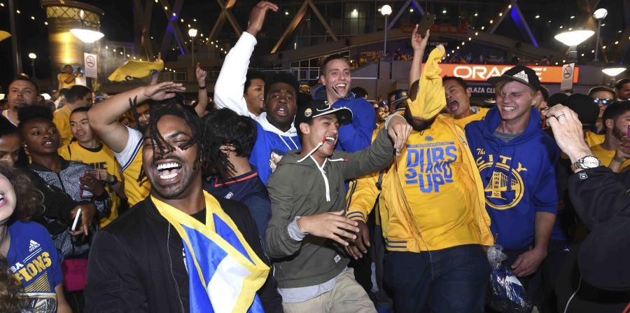 Los Warriors de Golden State desfilarán como campeones el jueves (horizontal-x3)
