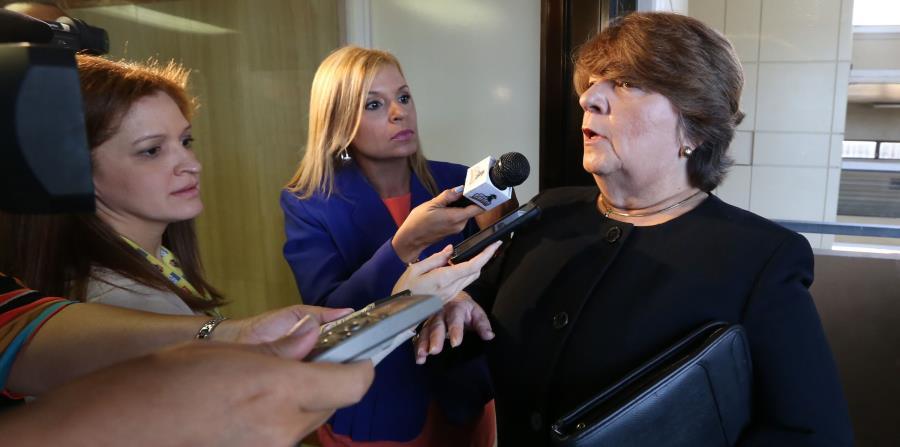 La fiscal Ines Carrau (der.), en representación del Departamento de Justicia, indicó que todos los delitos de corrupción deben estar exentos de ese beneficio. (horizontal-x3)