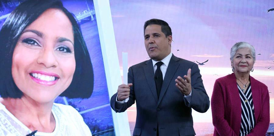 Normando Valentín junto a la mamá de Keylla Hernández, Miriam Ramos. (GFR Media) (horizontal-x3)