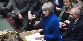 """Theresa May presenta un """"plan b"""" para el Brexit con pocos indicios de avance"""