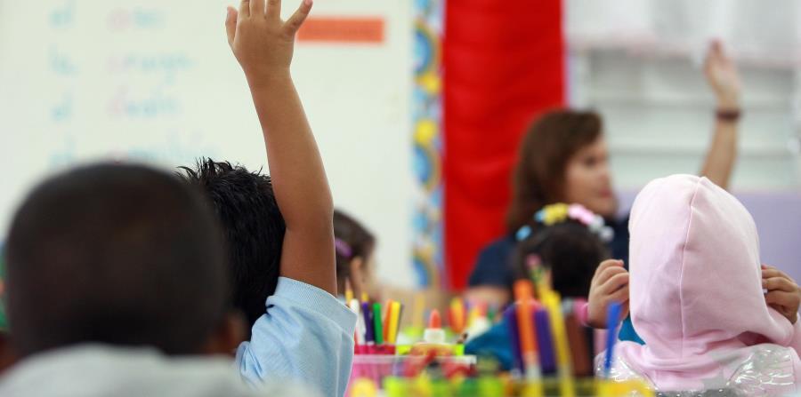 En lo que va del año escolar, 53 maestros han renunciado a sus puestos, mientras que otros 44 se han acogido al retiro y 33 se han acogido a licencias por enfermedad. En total, hay 297 puestos de maestros vacantes. (GFR Media) (horizontal-x3)