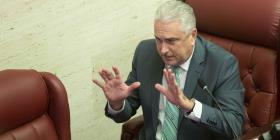 Presidente senatorial se compromete a atender con apertura tres medidas