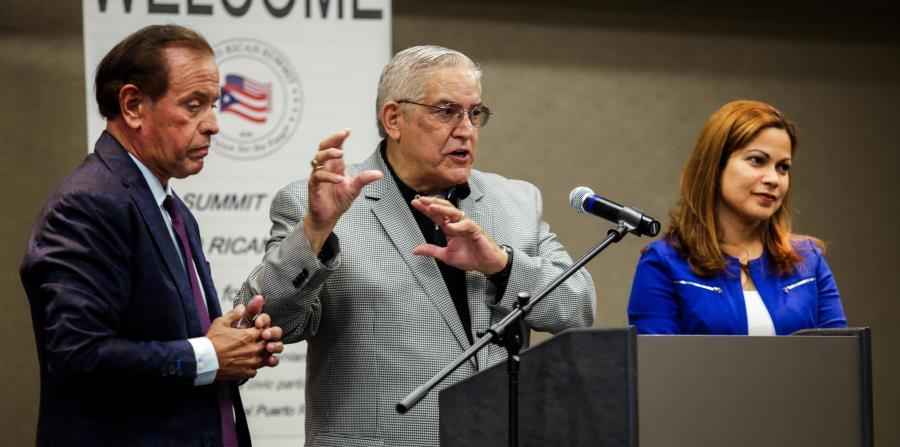 Luis de la Rosa, director de la Cumbre de Asuntos Puertorriqueños; Anthony Suárez, expresidente de la Asociación de Abogados Puertorriqueños, y Marie Masson, presidenta electa de esa entidad. (horizontal-x3)