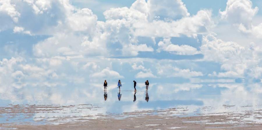 Salar de Uyuni, Bolivia (horizontal-x3)