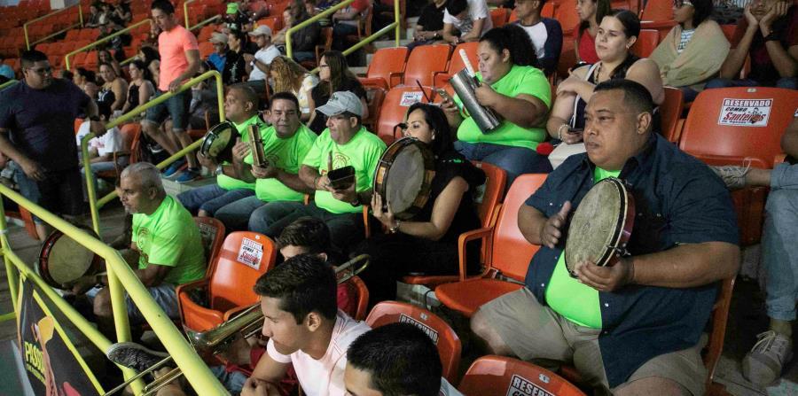 El lento inicio de temporada de los Santeros ha sido una de las razones para la reducción de fanáticos en los juegos locales, dijo su apoderado. (horizontal-x3)