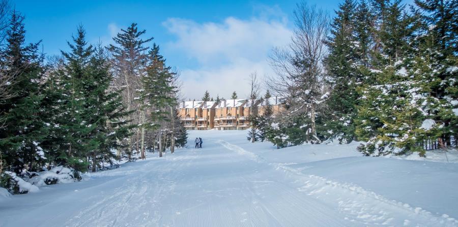 """Ubicado en el condado de Pocahontas en West ZVirginia, Snowshoe, es descrito por los aficionados a los deportes de invierno como """"lo más cercano al paraíso""""."""