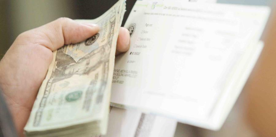 La mayoría de los asistentes en las oficinas de la AEE reclamarían su factura. (horizontal-x3)