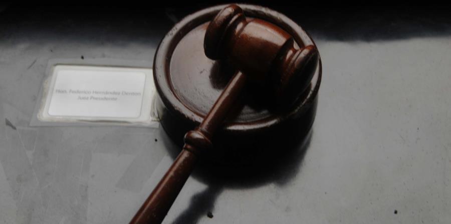 Imagen de un mallete utilizado por los jueces en el estrado.  (Archivo / GFR Media) (horizontal-x3)