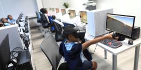 Escuela Montessori estrena biblioteca con equipo tecnológico