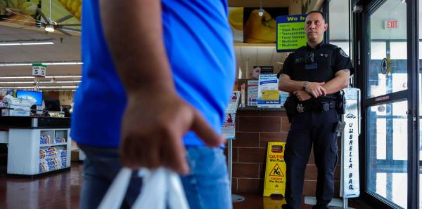 El drama de nuestros policías: obligados a emigrar ante la reducción en sus beneficios