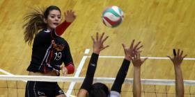Arranca el torneo femenino de voleibol solo con nativas