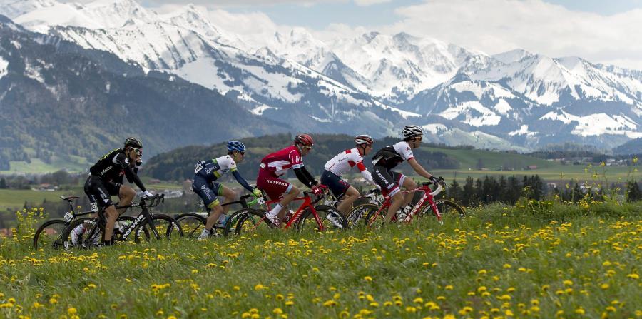 Pueblo en Suiza multará a quienes saquen fotos de sus hermosos paisajes (horizontal-x3)