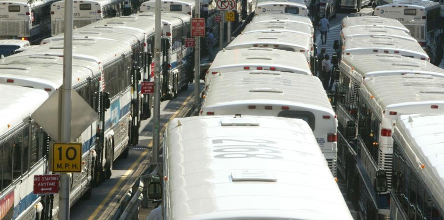 Unos dos autobuses estuvieron involucrados en el accidente (horizontal-x3)