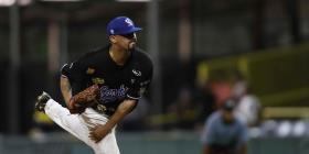 El carolinense Giovanni Soto le da ventaja a los Cangrejeros de Santurce en la serie final