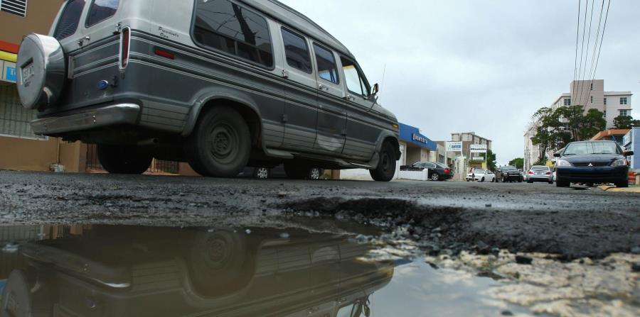 Los recortes fiscales que enfrentan los municipios prometen empeorar el ya deteriorado estado de las carreteras. (horizontal-x3)