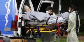 Desalojan a pacientes de centro para envejecientes en California porque enfermeros no llegaron