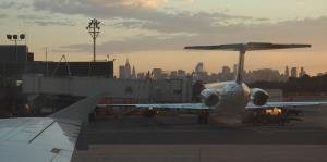 Anuncian ambicioso plan para renovar el peor aeropuerto de EE.UU.