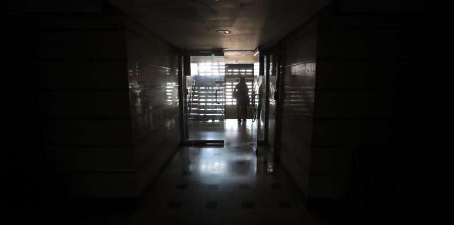 El gobierno de maduro cortar la electricidad a los for Cronograma de racionamiento de luz en aragua