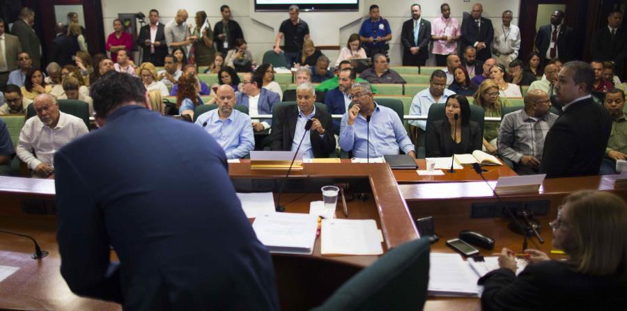 Durante la sesión de la mañana también depusieron ante los miembros de las comisiones de Hacienda de Cámara y Senado, el presidente de la Unión Independiente Auténtica (UIA) y de la Central Puertorriqueña de Trabajadores, Pedro Irene Maymí y Alexis Merced (horizontal-x3)