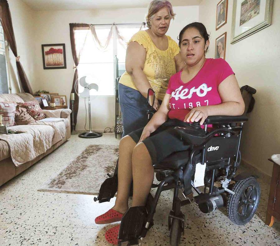 Myrkalisse Castillo Guzmán y su madre (semisquare-x3)