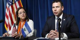 Estados Unidos y El Salvador firman acuerdo sobre asilo